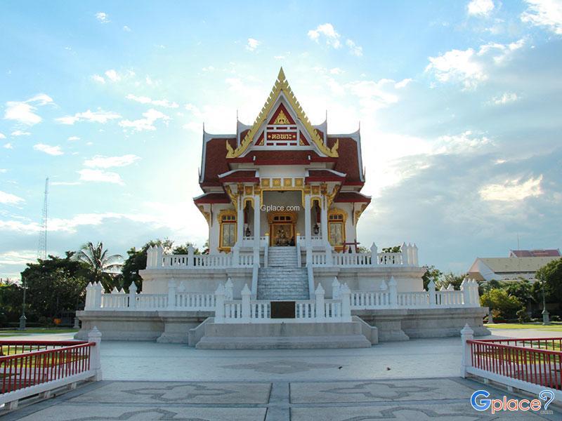 斯里纳斯佛寺