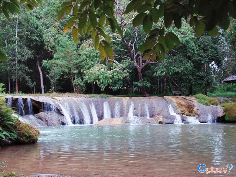 Kapo Waterfall Forest Park