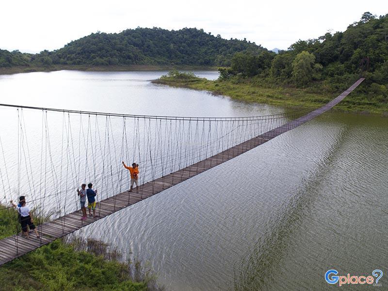 สะพานแขวนแก่งกระจาน