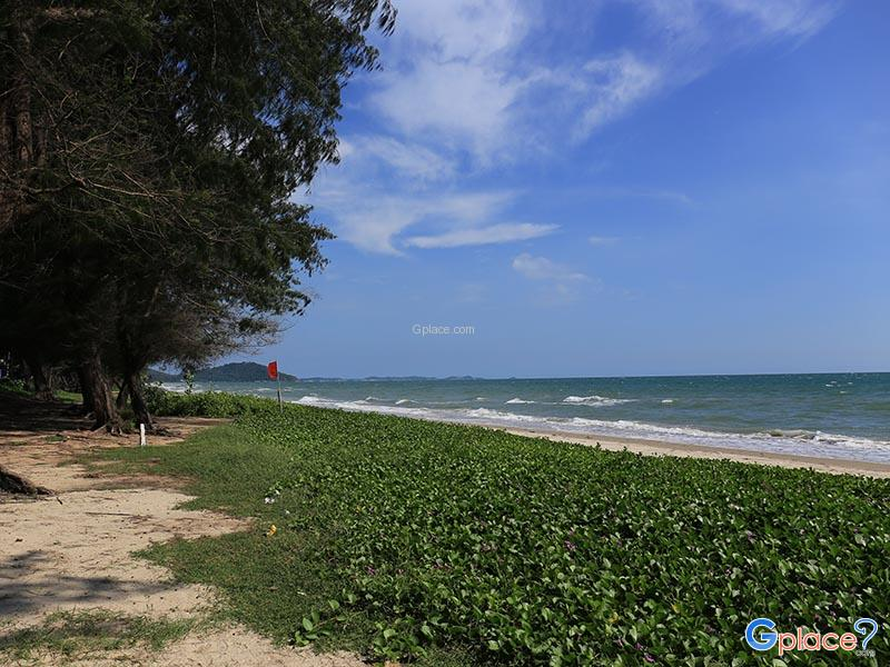 Mae Rumphueng Beach