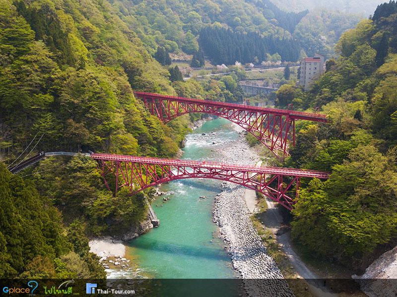 สะพานและทางเดินเล่นยามาบิโคะ Yamabiko Bridge