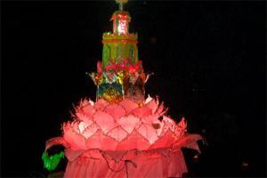 งานเทศกาลยี่เป็ง ลอยโคมกว๊านพะเยา