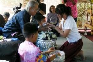 เทศกาลสงกรานต์สืบสานวัฒนธรรมไทย